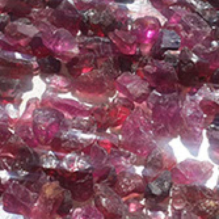 rhodonite-crop-u6646