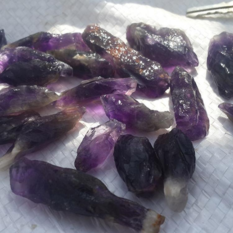 stones48